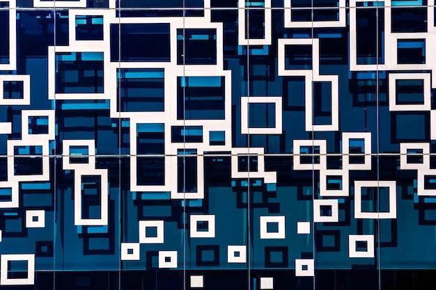 Abstrakter blauer spiegel, linie und geometrisch in der stadt.