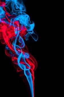 Abstrakter blauer und roter raucheffekthintergrund