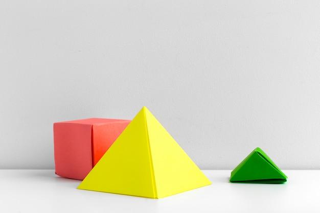 Abstrakter bunter geometrischer hintergrundabschluß herauf weichzeichnung