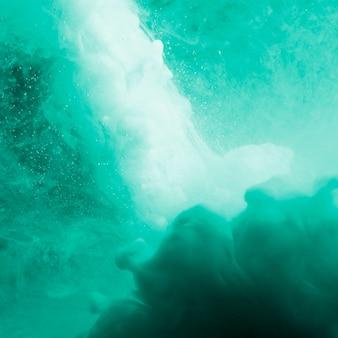 Abstrakter dichter azurblauer nebel