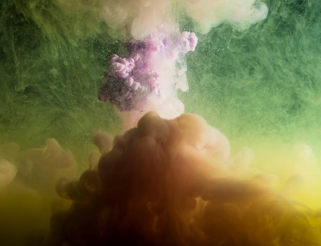 Abstrakter dichter grauer nebel im grün