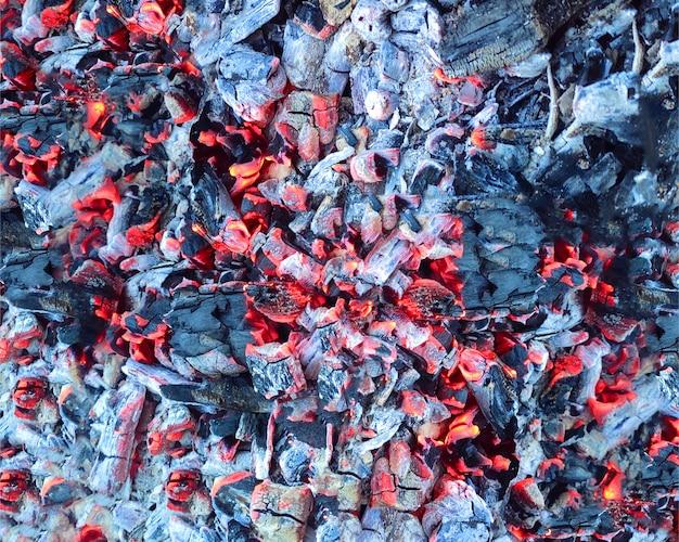 Abstrakter hintergrund der brennenden kohle