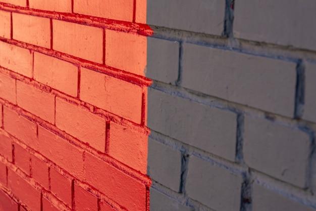 Abstrakter hintergrund der mehrfarbigen backsteinmauer. außendesign,