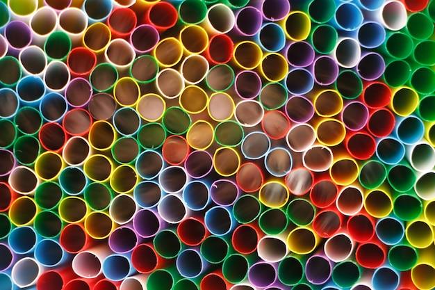 Abstrakter hintergrund von vielen mehrfarbentubuli für ein cocktail