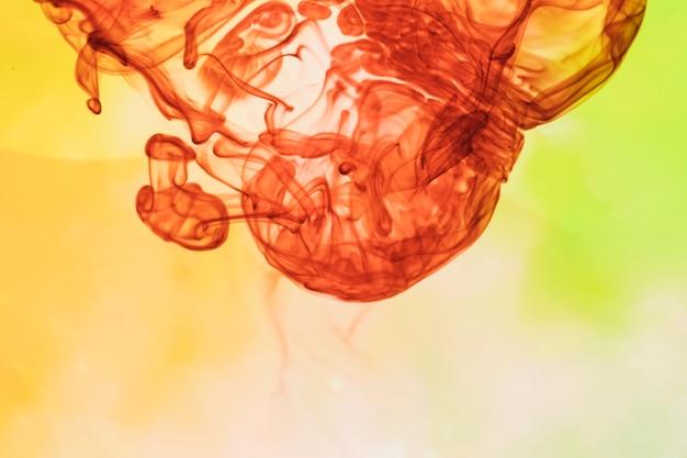 Abstrakter rauch mit menschlicher gesichtsform