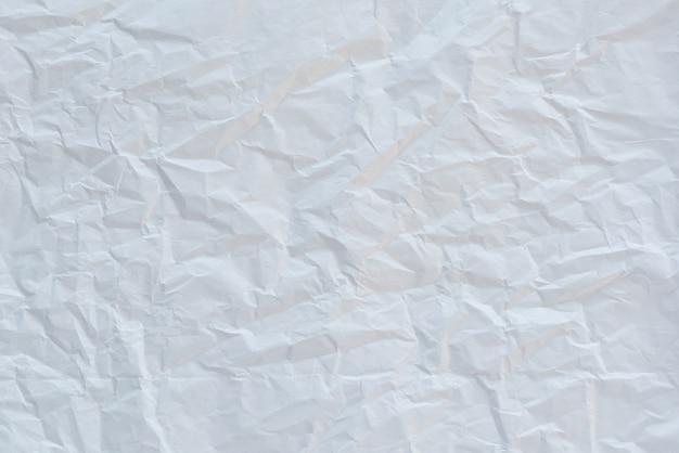 Abstrakter weißer zerknitterter papierhintergrund