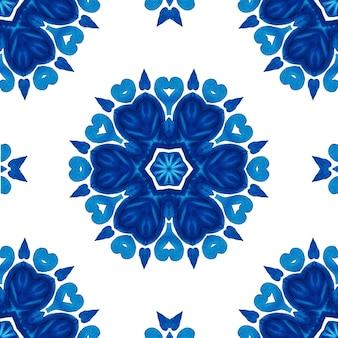 Abstraktes blaues und weißes handgezeichnetes nahtloses blumenornamental-aquarellmuster mit blumen- und geometrischem dekor