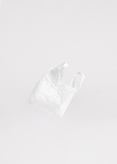 Abstraktes plastiktütenkonzept mit kopienraum