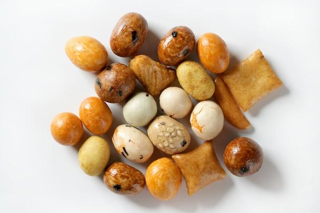 Abwechslungsreicher japan-farbsnack-apetizer