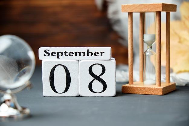 Achter tag des herbstmonats kalender september