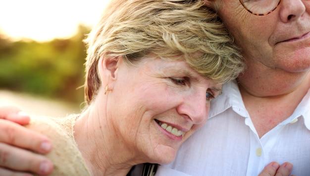 Älteres älteres paar-romance liebes-konzept
