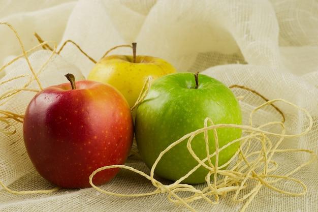 Äpfel mit verschiedenen farben