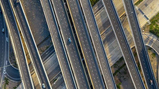 Aerial draufsicht der autobahn