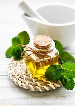 Ätherisches aromaöl mit minze