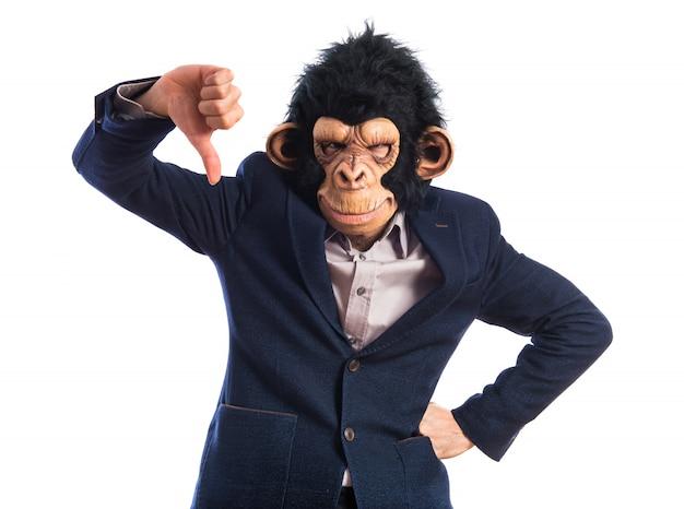 Affe mann macht schlechtes signal