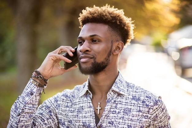 Afrikanischer mann