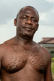 Afrikanisches älteres mannporträt