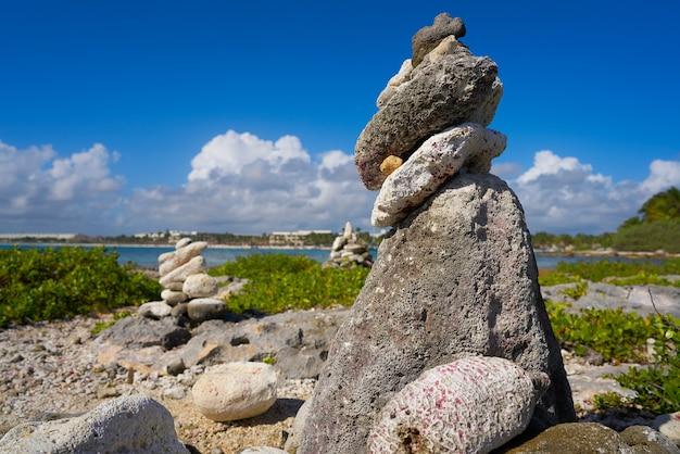 Akumal bay cairn stein gestapelt riviera maya