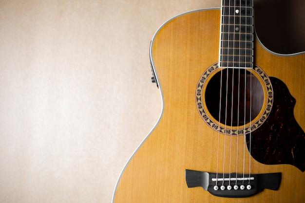 Akustikgitarre, die klassisch und schön ist