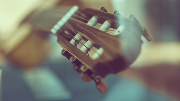 Akustikgitarre hals