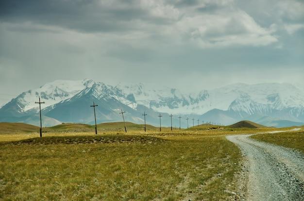 Alay-tal der region osh, kirgisistan, pamir-gebirge in kirgisistan?