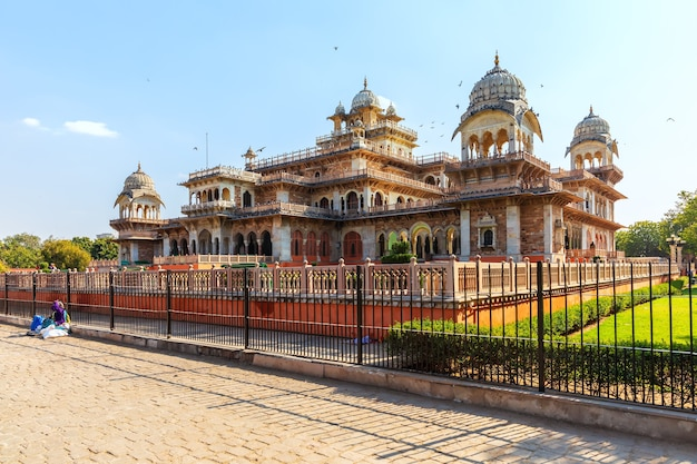 Albert hall museum in jaipur, rajasthan, indien.
