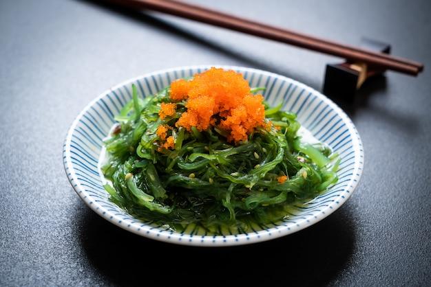 Algensalat mit garneleneiern - japanische art