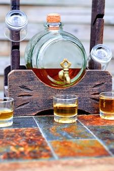 Alkohol, getränk konzept-gläser mit whiskey