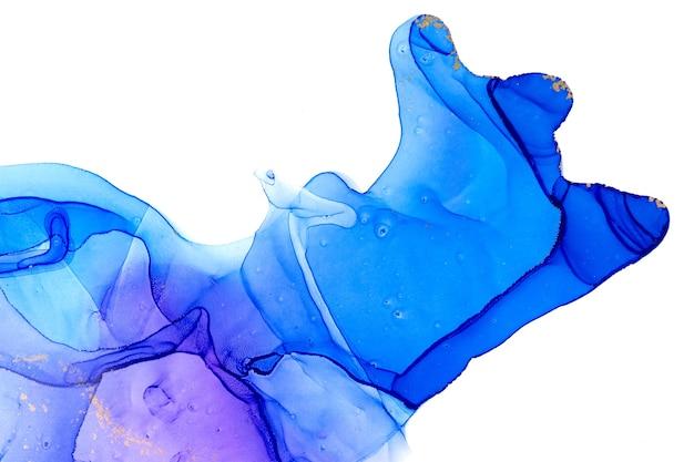 Alkoholtinte blau transparente tintentropfen isoliert auf weißem hintergrund