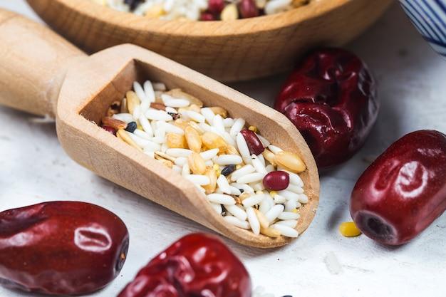Alle arten von bohnen und hülsenfrüchten mischen sich gut für die gesundheit