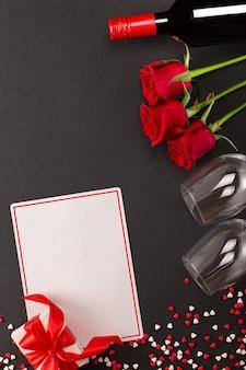Alles gute zum valentinstag mit wein und geschenk