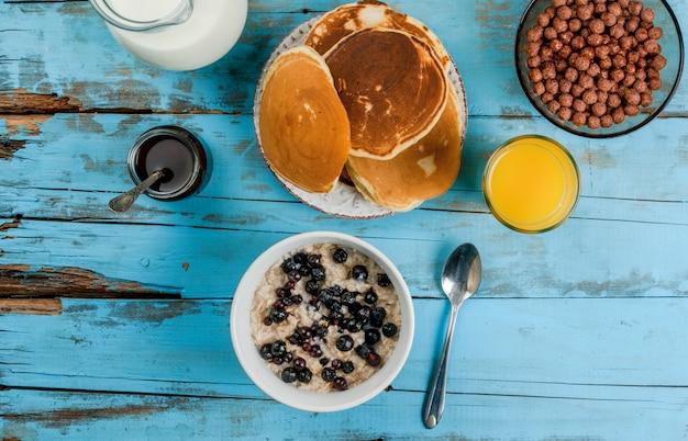 Alles was sie zum kontinentalen frühstück brauchen