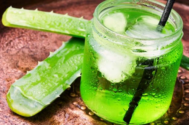 Aloe vera gesundheitsgetränk