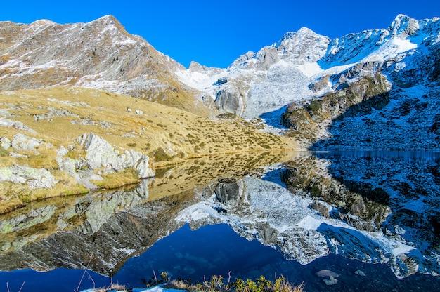 Alpenlandschaft mit see