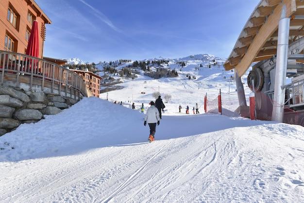 Alpines französisches skigebiet