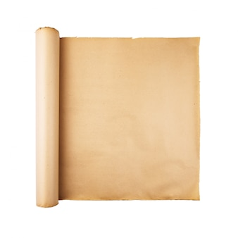 Alte betonte papierrolle auf weißem hintergrund lokalisiert. quadratischer hintergrund, leerer raum, raum für text, kopie, beschriftung, karte.