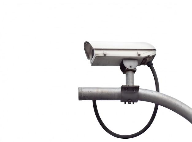 Alte cctv-überwachungskameras an der weißen wand.