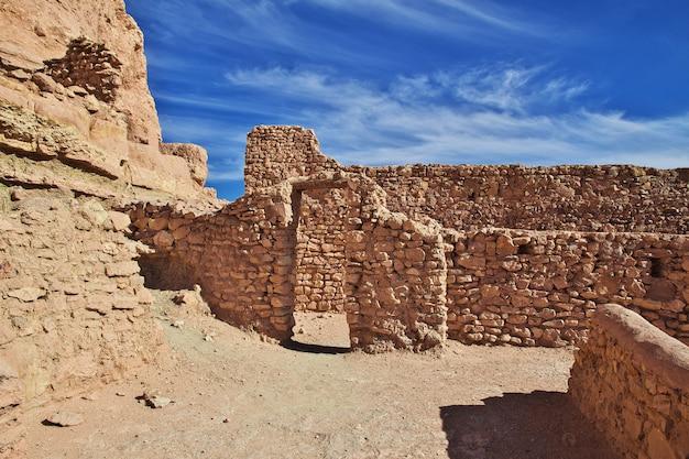 Alte festung in der sahara-wüste