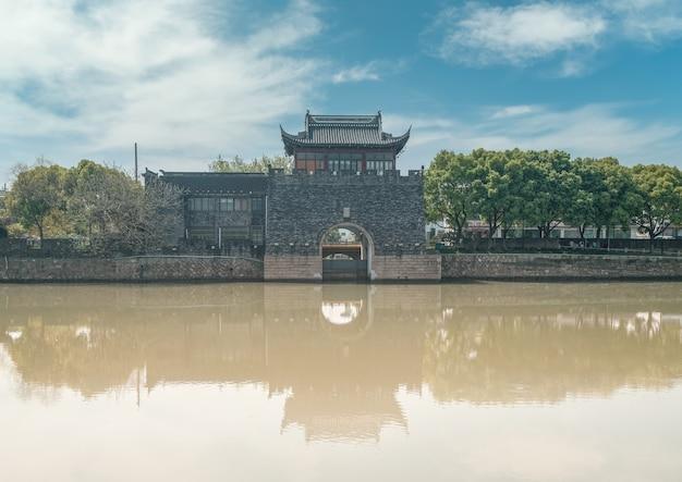 Alte gebäudereste der stadtmauer von suzhou