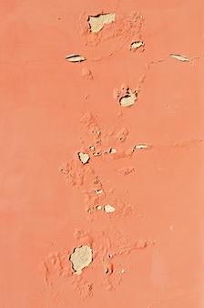 Alte gebrochene terrakottawand. gemalter beschaffenheitshintergrund. banner