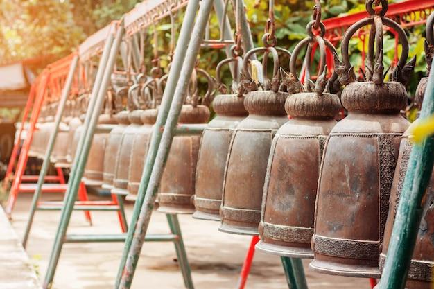 Alte glocke im tempel.