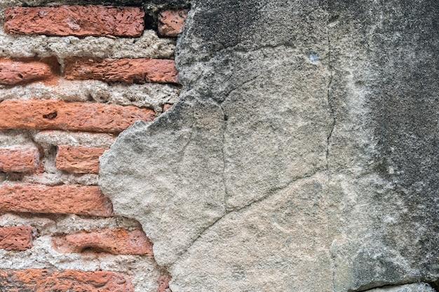 Alte groll-backsteinmauer gemasert