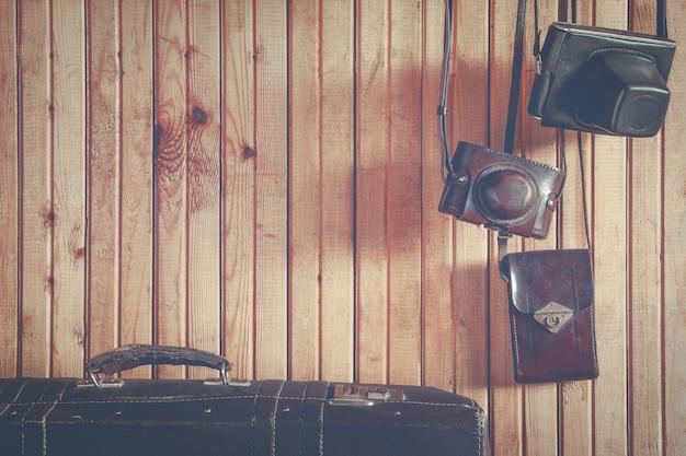 Alte kamera und koffer