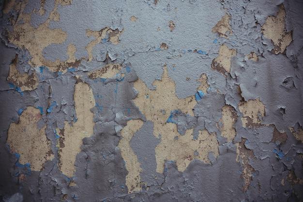 Alte mauer mit geschälten farbe