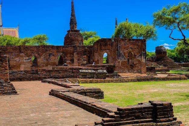 Alte pagode in wat phrasisanpetch (phra si sanphet). ayutthaya historische stadt, thailand
