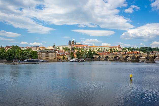 Alte stadtstadtskyline prags in der tschechischen republik