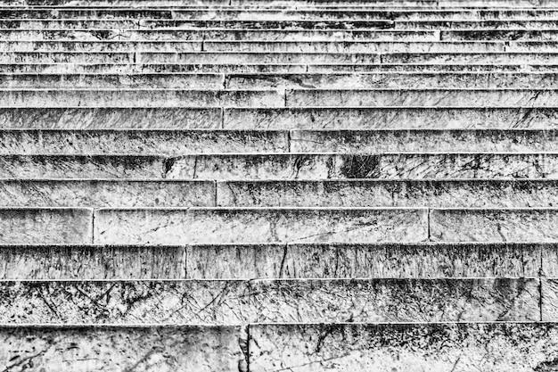 Alte steintreppe in rom abstrakte architektur textur hintergrund. architekturmuster.