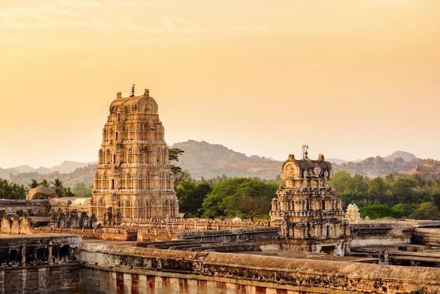 Alte tempelruinen in hampi