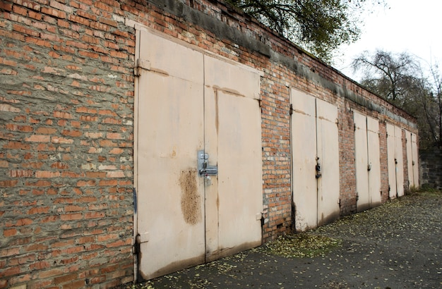Alte verlassene garagen