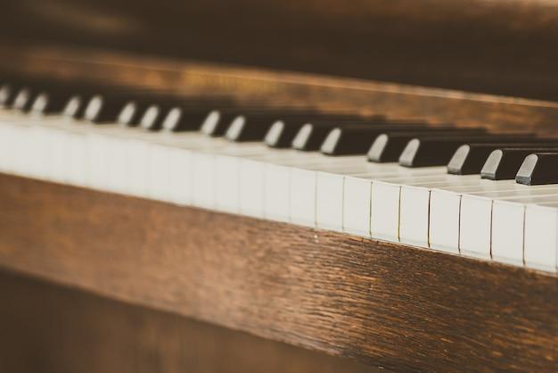 Alte vintage klaviertasten